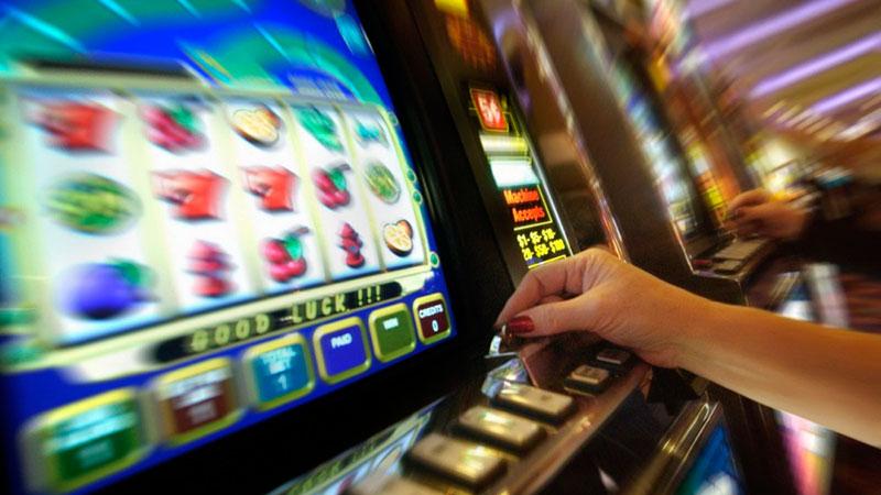 Игровой клуб казино бесплатно как играть в мафию картах