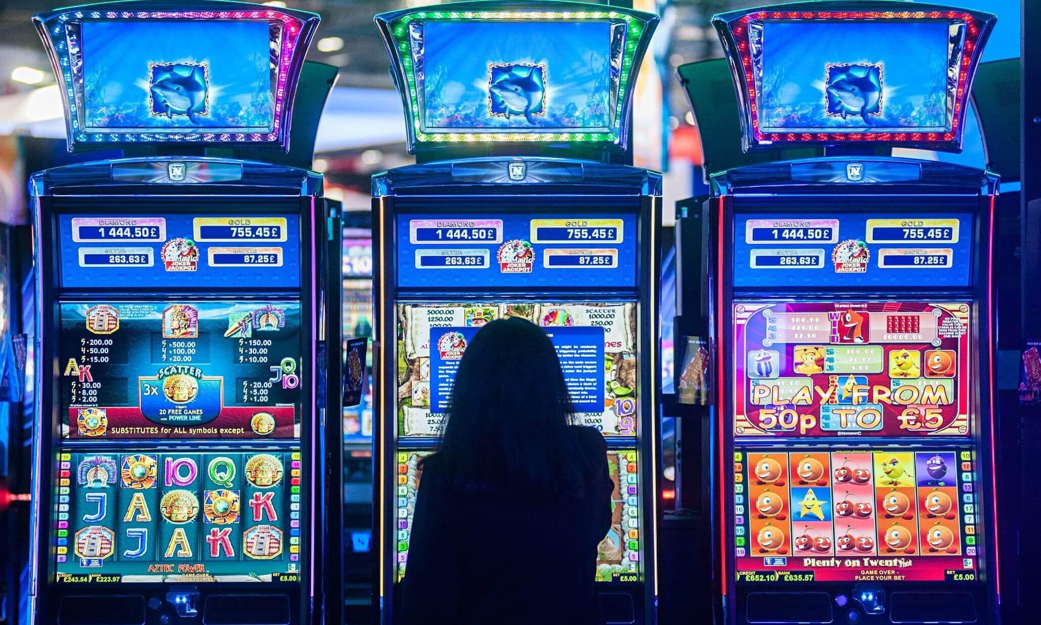 Бесплатные слот автоматы скачать бесплатно онлайн казино с минимальным рублевым депозитом